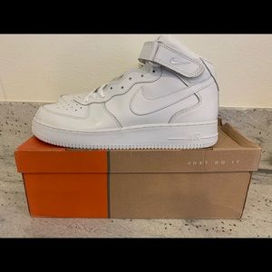Air Force 1 mid-men's 13 white brand new